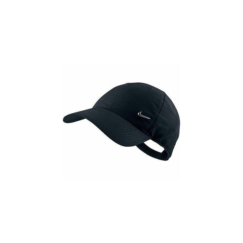 Unisex kšiltovka s kovovým logom Nike. 77ebdf7863